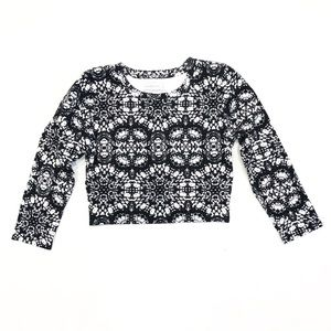Abercrombie & Fitch Black White Abstract Crop Top